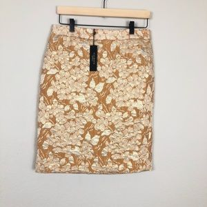 New Talbots Jacquard Embroidered Gold Pencil Skirt